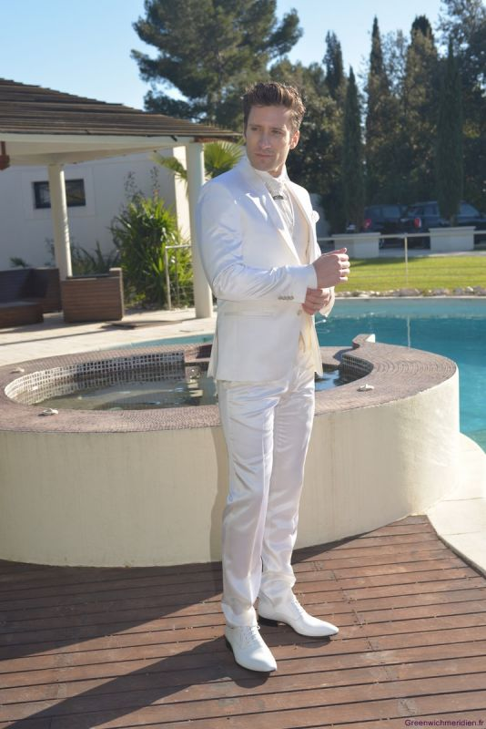 costume mariage homme blanc le mariage. Black Bedroom Furniture Sets. Home Design Ideas