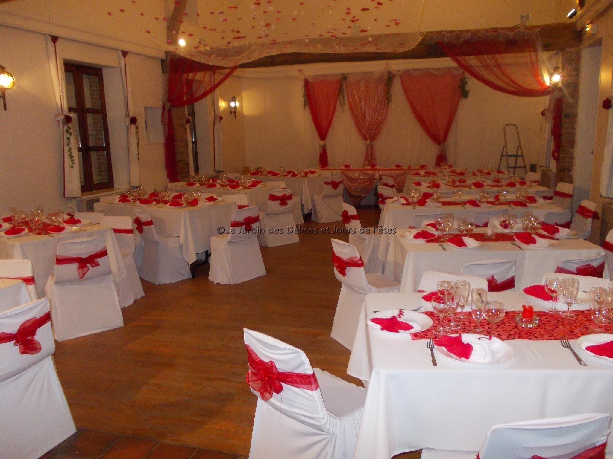 D coration table mariage rouge et blanc fashion designs for Decoration rouge