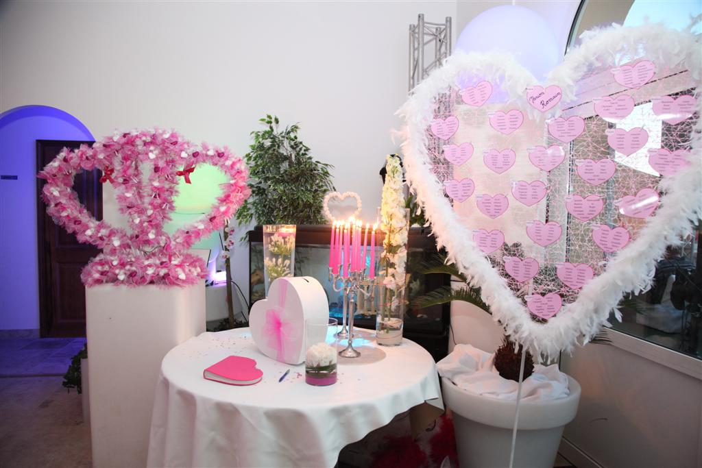 Decoration Table Urne Mariage : Decoration urne coeur