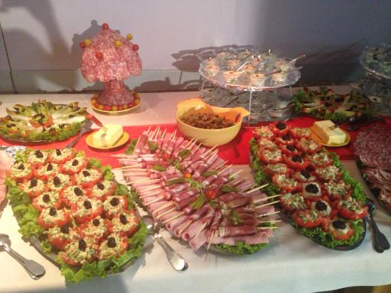 Buffet mariage le mariage for Plat decoration traiteur