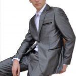 Costume gris brillant pour homme