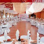 Decorer une salle pour un mariage