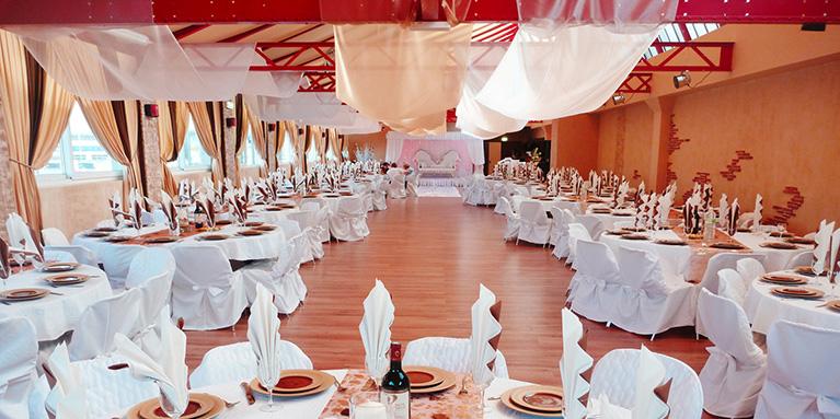 Decorer une salle pour un mariage le mariage - Deco fete pas cher ...