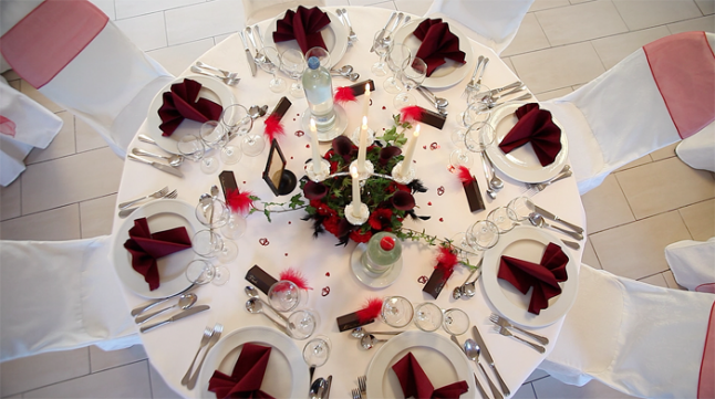 Deco mariage pas cher le mariage - Decoration de table pour mariage rouge et blanc ...