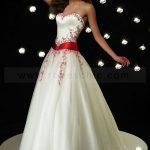 Robe de mariage blanc et rouge