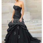 Robe de mariée noire courte