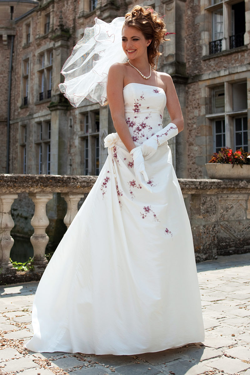 Boutique robe de mari e paris pas cher le mariage for Robes blanches pour les mariages