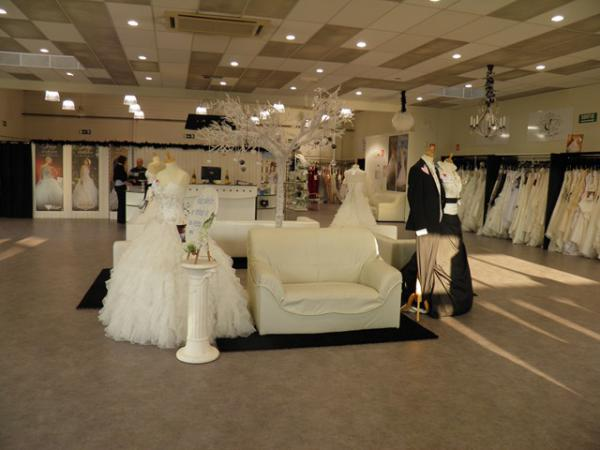 magasin mariage le mariage. Black Bedroom Furniture Sets. Home Design Ideas