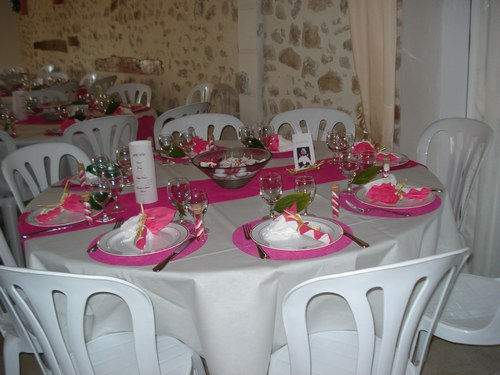 deco de table mariage fushia le mariage. Black Bedroom Furniture Sets. Home Design Ideas