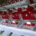 Deco table de mariage rouge et blanc