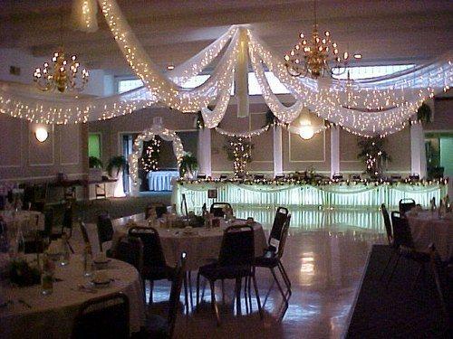 decoration salle mariage plafond