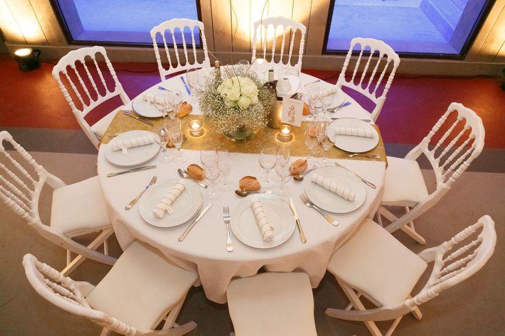 Decoration de salle de mariage blanc et or