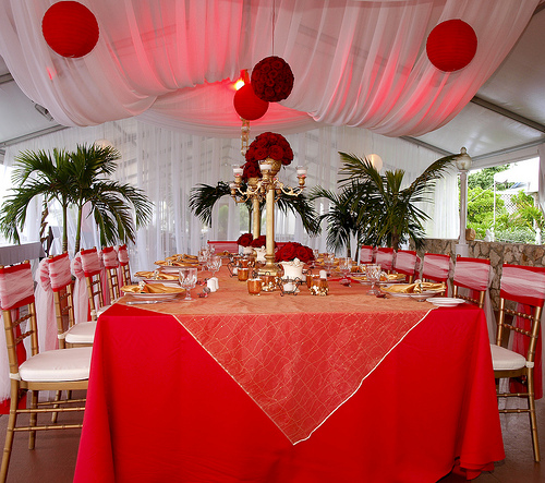 decoration table mariage rouge et or