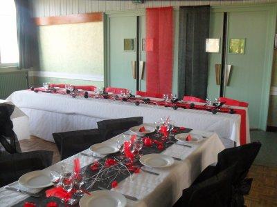 Deco mariage noir et rouge le mariage - Deco mariage rouge et blanc pas cher ...