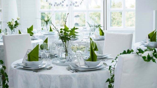 Deco mariage petit prix Deco mariage petit prix · Decoration table de fete pas  cher