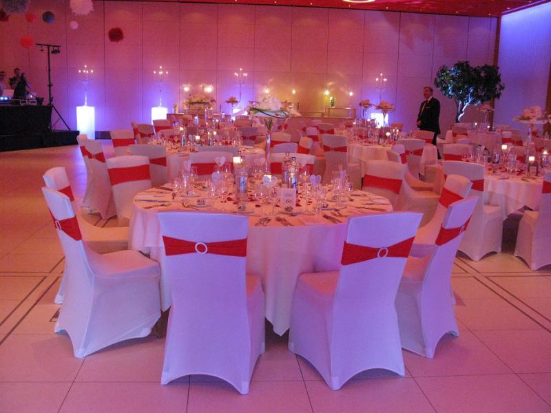 Deco mariage rouge et blanc le mariage - Decoration de table pour mariage rouge et blanc ...