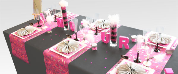 deco table fushia et noir le mariage. Black Bedroom Furniture Sets. Home Design Ideas